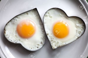 15331385-Fried-egg-on-heart-shaped--Stock-Photo