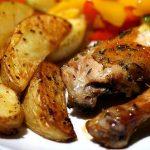 Fırın Poşetinde Harika Soslu Baget Tavuk Ve Patates Tarifi
